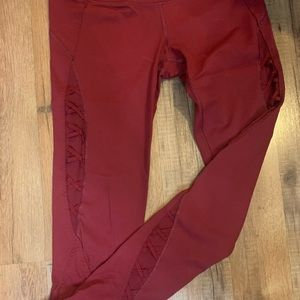 Victoria red leggings